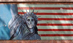 800px-Teheran_US_embassy_propaganda_statue_of_liberty